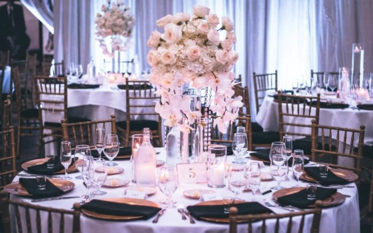 Wedding Dinner Table arrangement